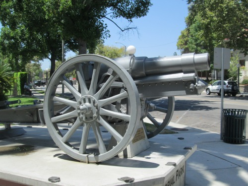 cannon in Sierra Madre 002