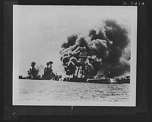 pearl harbor smoking ships