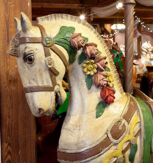 carosel horse 2