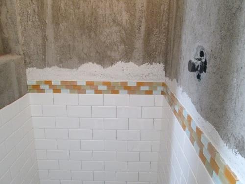 remodel bathroom  tile 033