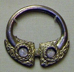 irish brooch 3