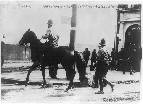 1909 police arresting steel strikers Pitt