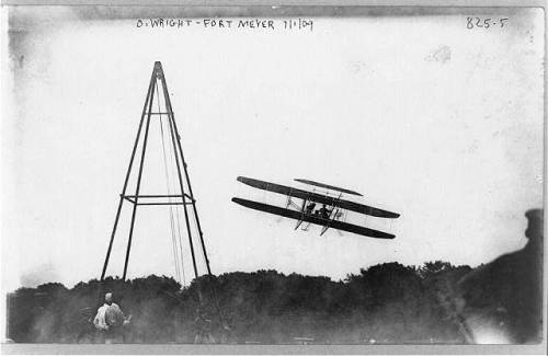 orville wright in flight