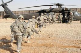 Iraq War II Soldiers Helicopter