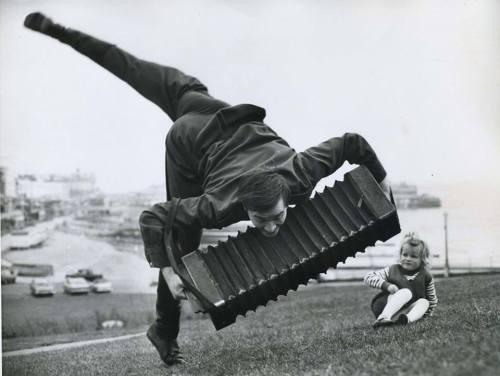 accordian-player