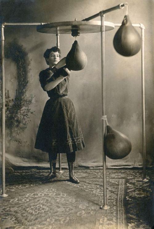 woman boxer 1890
