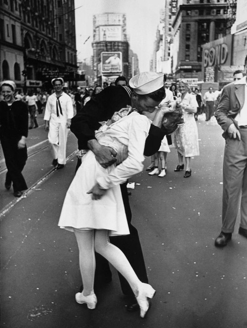 romance-wartime-photos-3