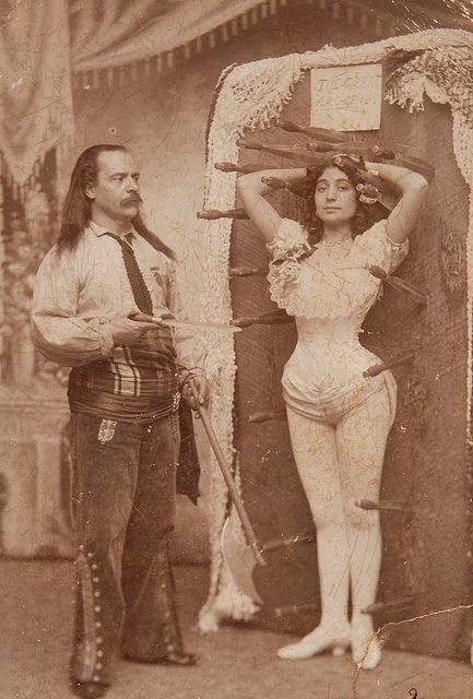 knife thrower 1900