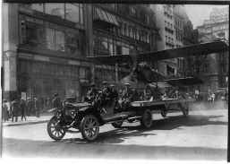 plane on truck 1916