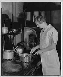 woman cooking 1920s