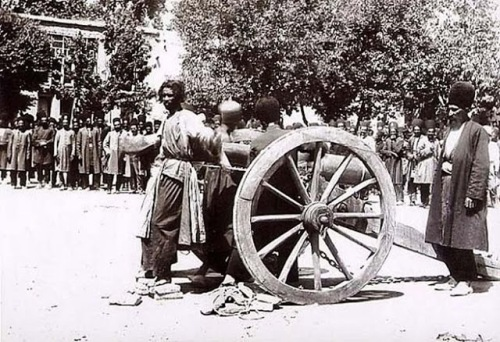 execution-by-cannon-in-shiraz-iran